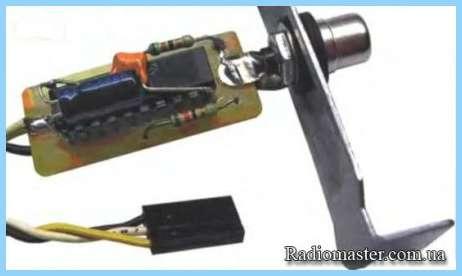 S/pdif I/o.  Оптический адаптер spdif. на стандартной планке компьютера.  На рис. 4. адаптера оптического интерфейса...